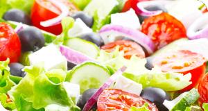 Griechischer Salat, der alle Sinne berührt